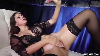 He Came Too Quick - Valentina Bellucci Cock Milking