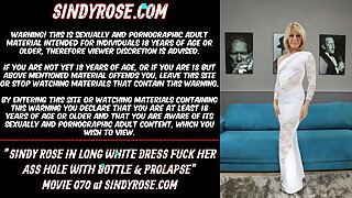 Sindy Rose in long white dress fuck her ass hole with bottle