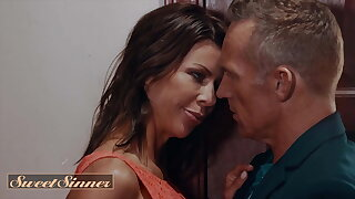 Alexis Fawx Has 2 Strenuous Orgasms Before Marcus London Cums