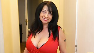 MATURE4K. Woman is old but still wants to pulverize so manager steps in