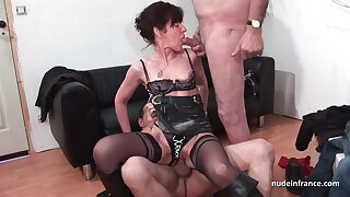 French mature hard buggered and DP in 3way with Papy Voyeur