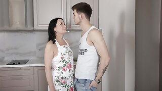 SHAME4K. Stud lures an older woman into having kinky hump