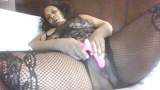 Make My Juicy Thick Pussy Cum!!
