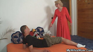 Mummy in law young guy fuck her