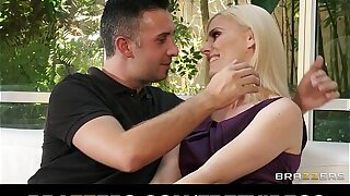 Lonely blond wifey Darryl Hanah calls an old friend rough-sex