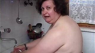 Aged fat woman would like a cock